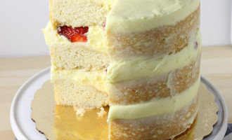 Vanilla Layer Cake | Berries and Cream Cake